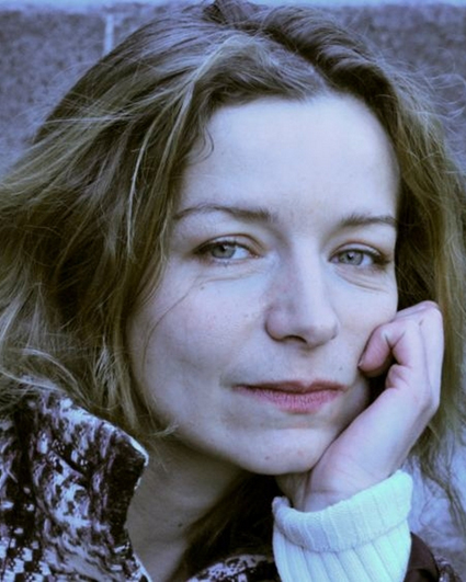 Anne Charneau, comédienne bilingue